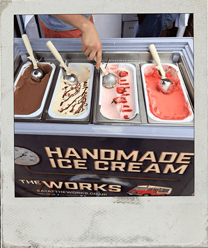 resized_0002_event-ice-cream-polaroid.jpg